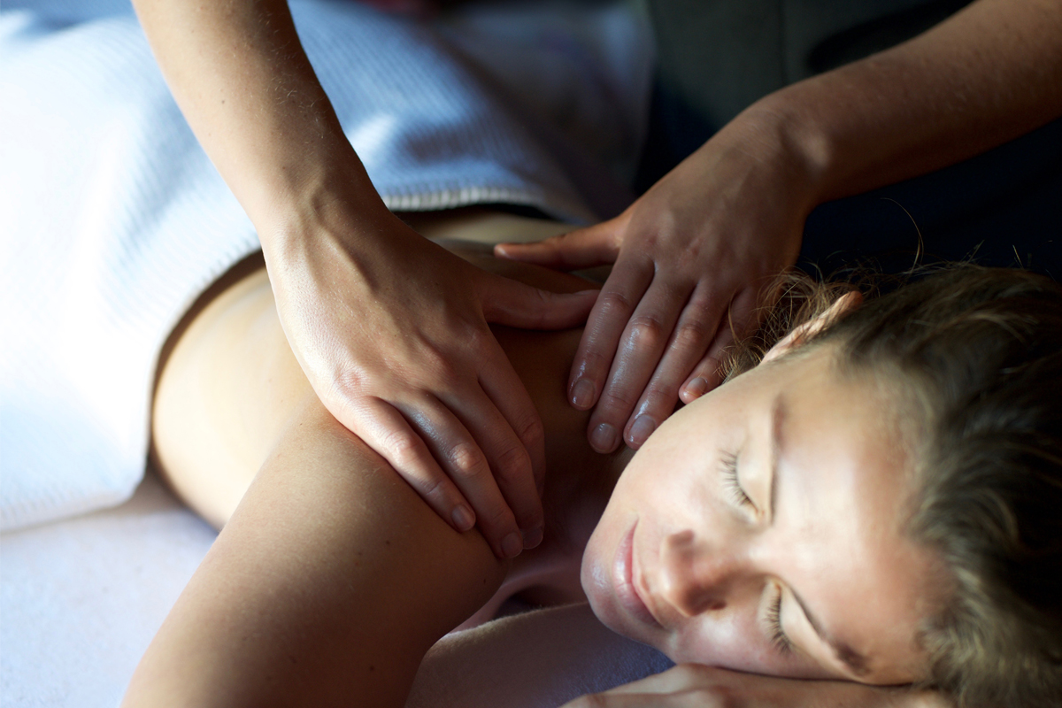 ESPA BACK, NECK & SHOULDER MASSAGE